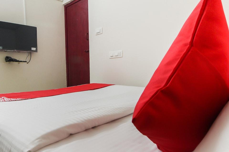 OYO 43978 Nini Residency