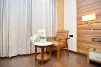 Capital O 43988 Makhan Residency Deluxe