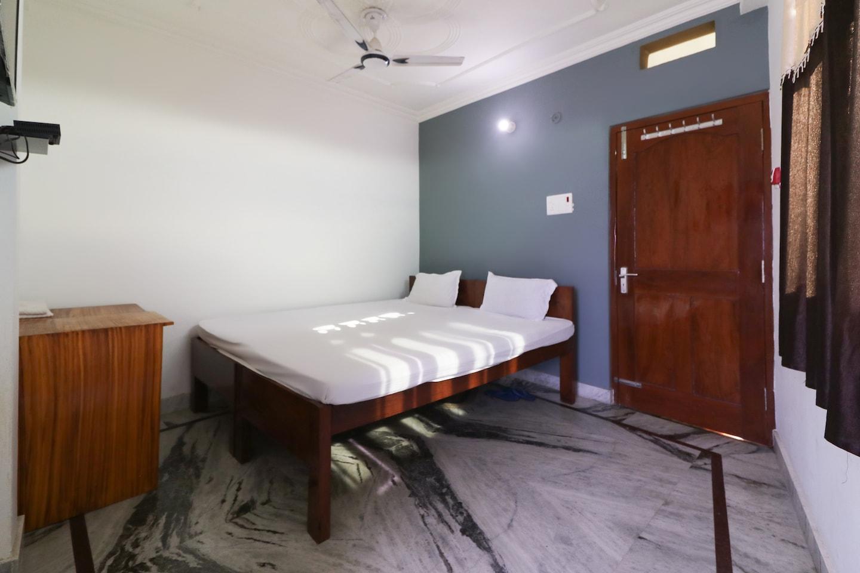 SPOT ON 44028 Hotel Ankita -1