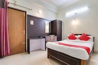 OYO 44030 Hotel Shehran Continental Bahraich