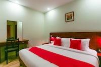 OYO 44038 Hotel New Castle Deluxe