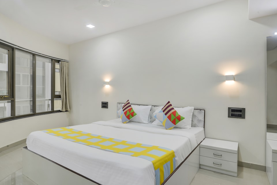 OYO Home 44079 Elite Stay White House Kharghar