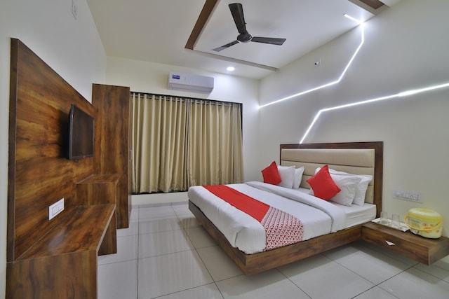 OYO 44091 Hotel Kailash Deluxe
