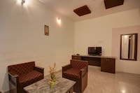 OYO 44141 Smj Hotel And Resort