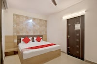 SPOT ON 44147 Hotel Snazzy Patarkar Colony