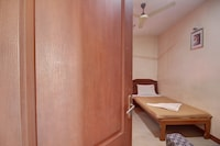 SPOT ON 44152 Lk Residency SPOT