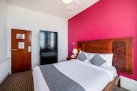 OYO The Strand Hotel