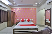 OYO 44206 Hotel New Shreenath Kathiyawadi