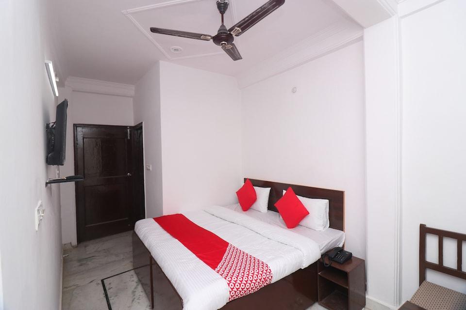 OYO 44236 Hotel Chandra Bagha