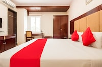 OYO 44264 Mythri Guest House Deluxe