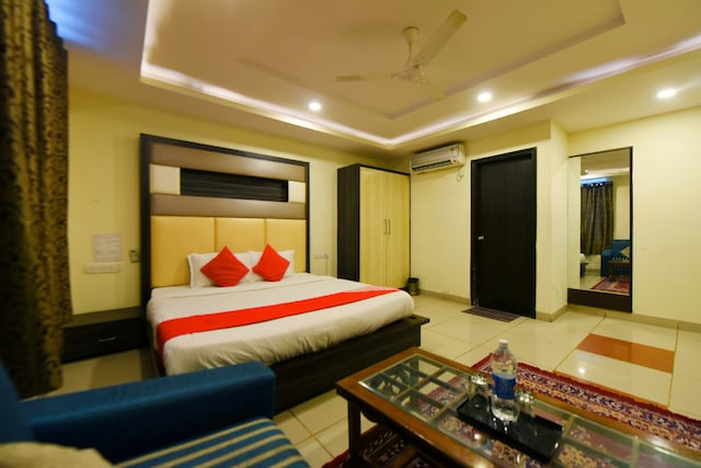 OYO 3971 Hotel Tip Top