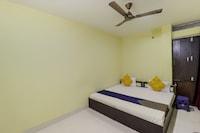 SPOT ON 44295 Sarnath Tourist Guest House