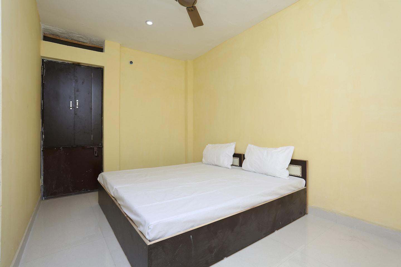 SPOT ON 44295 Sarnath Tourist Guest House -1