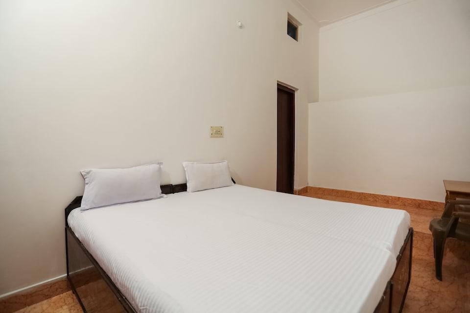 SPOT ON 44298 Hotel Arachana
