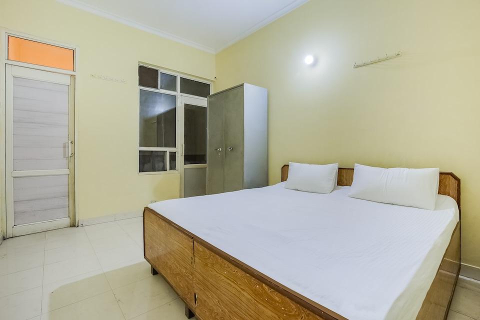 SPOT ON 44303 Canadian Guest House, Rajpura, Rajpura
