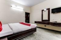 OYO 44308 Parvathi Residency Deluxe