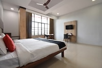 Capital O 44358 Hotel Vihar Deluxe
