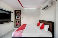 OYO 44366 Webminez Hotel