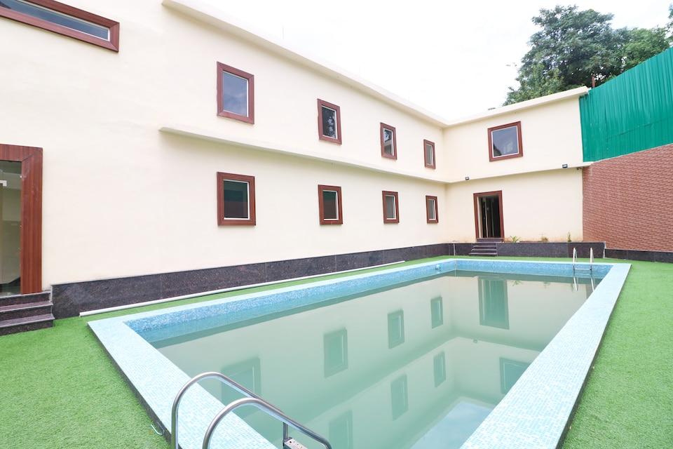 OYO 44370 Vaikunth Resort