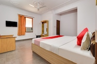OYO 44381 Resova Club & Resort Deluxe