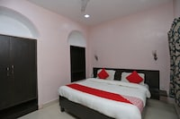 OYO 44523 Shri Krishna Hotel Inn