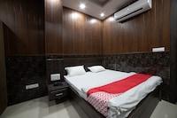 OYO 44530 Hotel Bhawana Palace