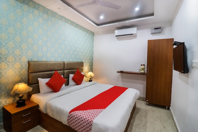 OYO 44599 Hotel Namo Gange