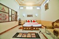 OYO 44604 Jhankar Mansion Deluxe