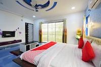 OYO 44632 Sarkar Lodge