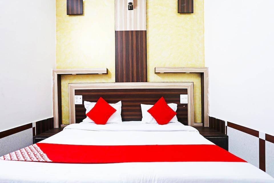 OYO 44659 Hotel Savera Inn