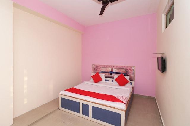 OYO 44669 Maa Chintpurni Hotel