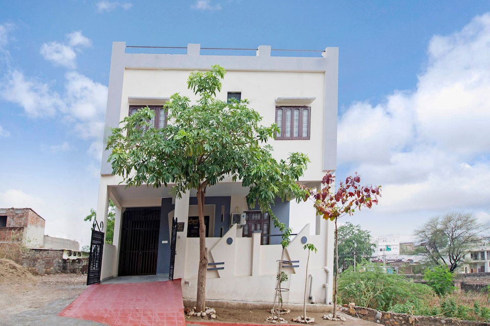 OYO Home 44675 Greenview 2bhk