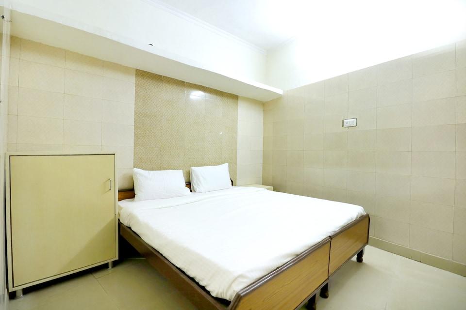 SPOT ON 44679 Hotel Samrat