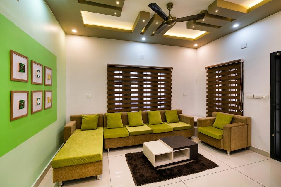 OYO 44686 Luxury Villa Edappally