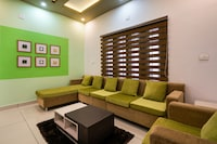 OYO 44686 Luxury Villa Edappally