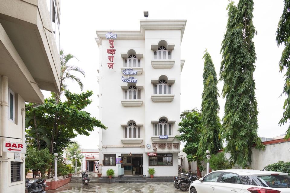 OYO 44784 Hotel Pushkaraj