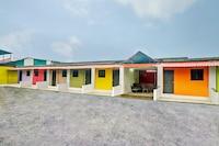 OYO LNL184 Rainbow Cottage