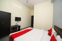 OYO 44792 Maharani Hotel