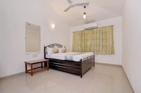 OYO Home 44826 Spacious 4BHK Near Wax Museum
