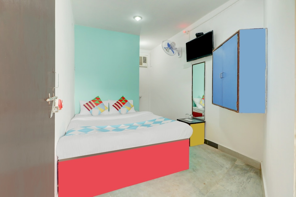 OYO Home 44827 Cozy Stay Behala Kolkata