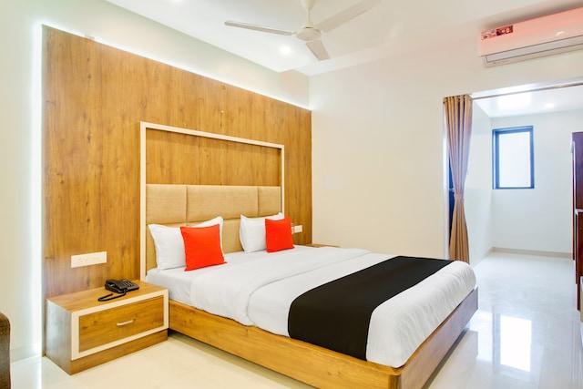Capital O 44925 Hotel New Vaishnavi Deluxe