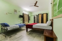SPOT ON 44940 Surya Grand Lodge SPOT