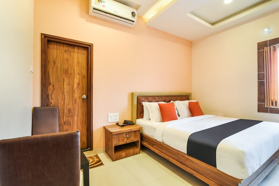 Capital O 44979 Hotel Ruchi's Residency