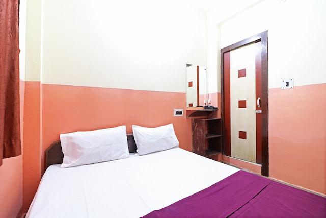 SPOT ON 45001 Hotel Shiv SPOT