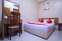 OYO 43929 Adak Hotel