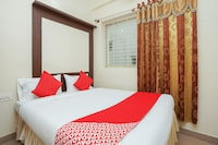 OYO 45057 Hotel J.B. Paradise Saver