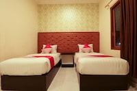 OYO 1117 New Garuda Hotel