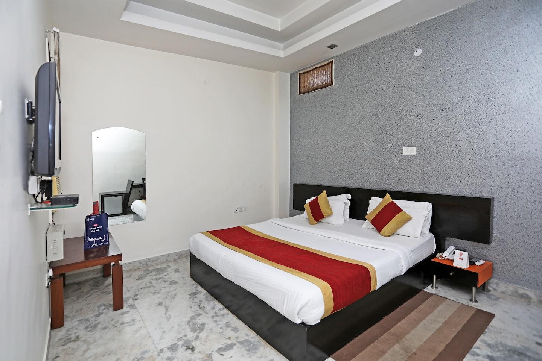 OYO 677 Hotel NK Residency -1