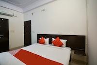 OYO 45087 Hotel Sapphire Palace 2