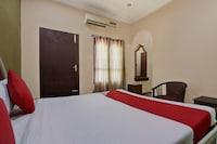OYO 45115 Hotel Paul Deluxe